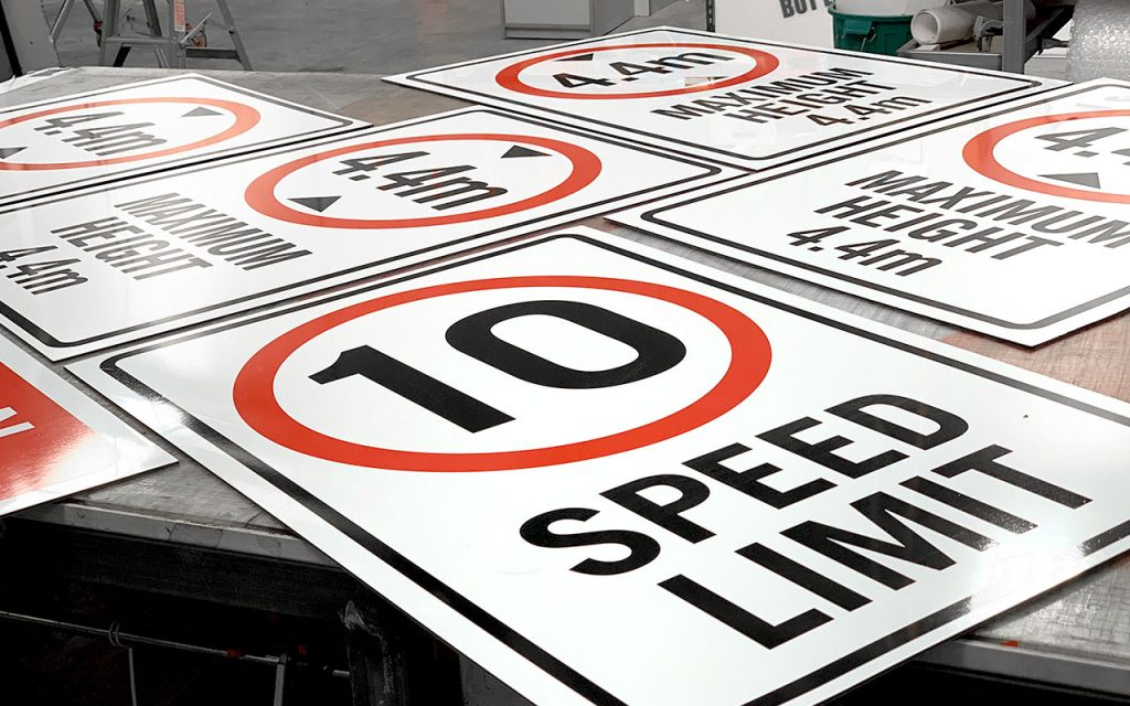 Safety Signs - Speed Limit